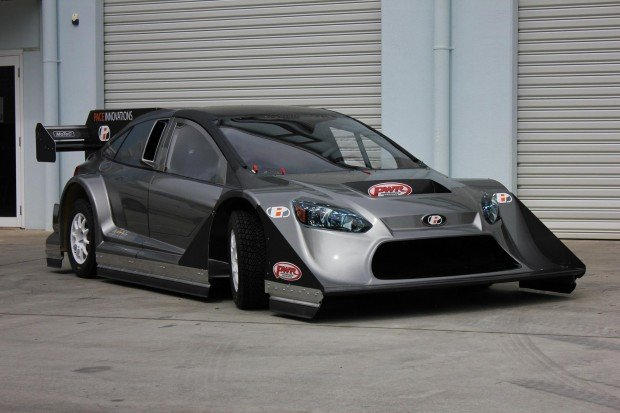 Tony-Quinn-Bespoke-Ford-Focus-with-850-HP-R35-V6-01