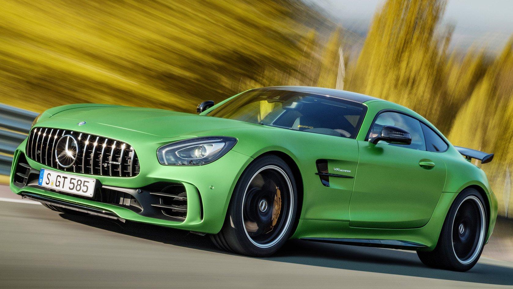 mercedes amg gt r um monstro verde de 585 cv que veio para devorar o porsche 911 gt3 rs flatout. Black Bedroom Furniture Sets. Home Design Ideas