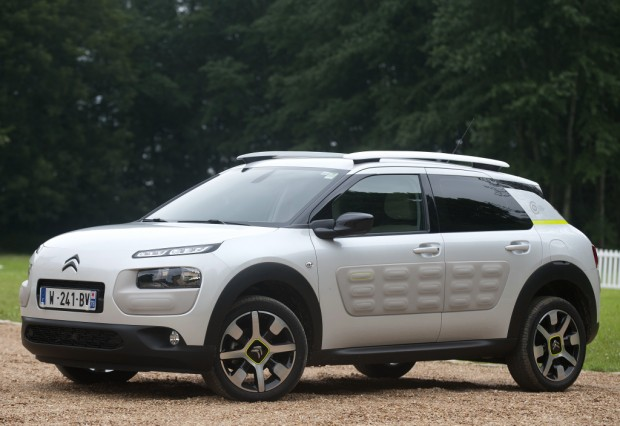 citroen_c4_cactus_citroen_advanced_comfort(r)_lab_prototype_14