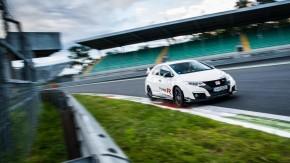 Honda Civic Type R quebra recordes em cinco circuitos europeus diferentes – e você vai ver todas as voltas aqui!