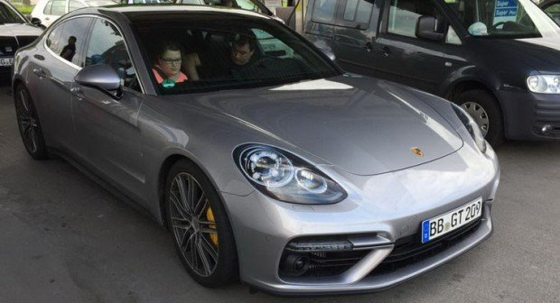 porsche-panamera-new-spotted-no-camo-3