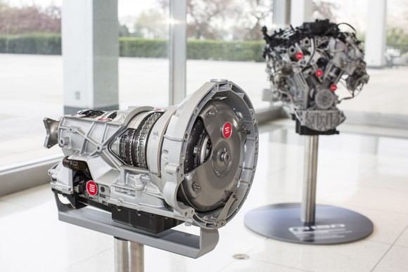 35-liter-ecoboost-engine-and-10-speed-transmission_large