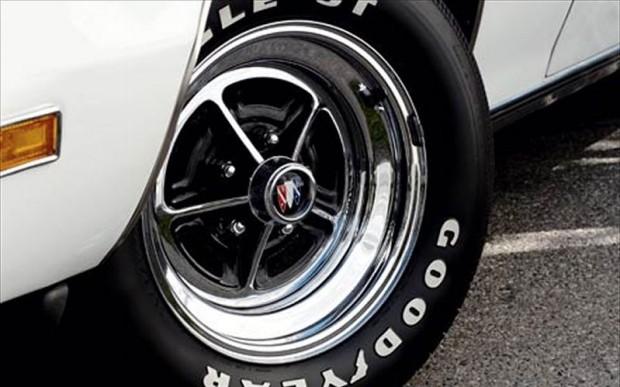 c12_0511_31z_1970_buick_gsx_stage1_wheel