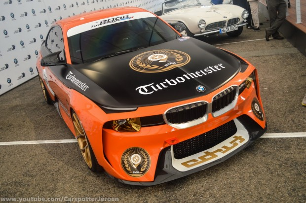bmw-2002-hommage-reader-pebble-1