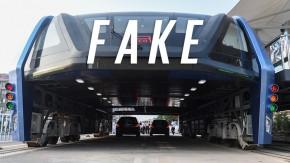 Lembra do ônibus flutuante chinês que passa por cima dos carros? Então… era uma farsa