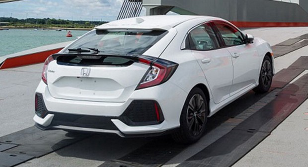 honda-civic-hatch-2017-undisguised-6