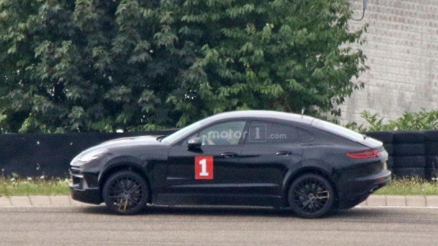 possible-porsche-cayenne-coupe-test-mule-spy-photo-1