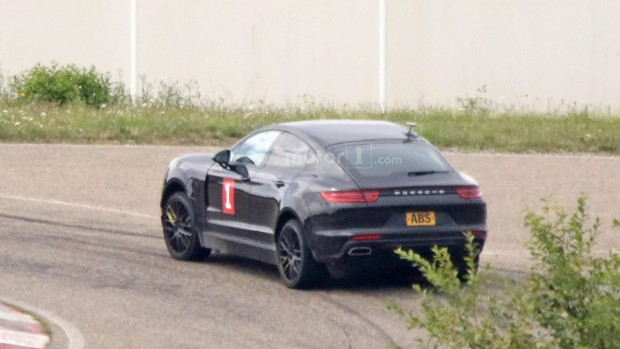 possible-porsche-cayenne-coupe-test-mule-spy-photo