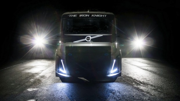 volvo-iron-knight-record-truck-2
