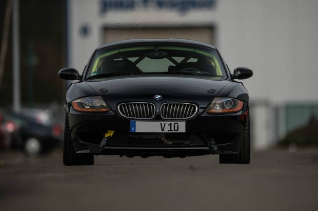BMW-Z4-with-a-Dodge-SRT-10-V10-04