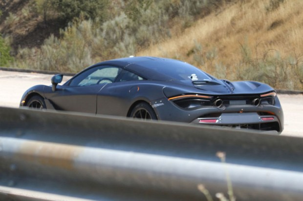 McLarenP142