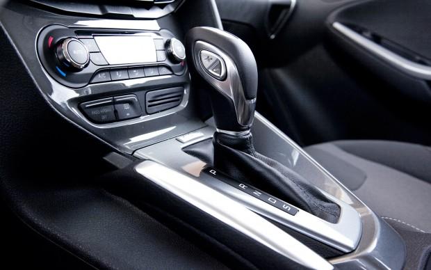 2012-ford-focus-titanium-shift-knob