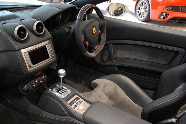 3-manual-ferrari-california