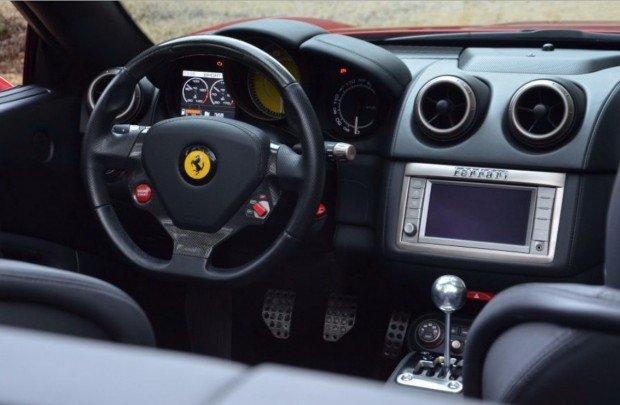 Ferrari-California-Manual-04