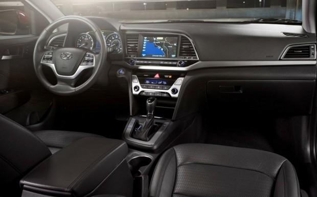 Hyundai-Elantra-2017-7
