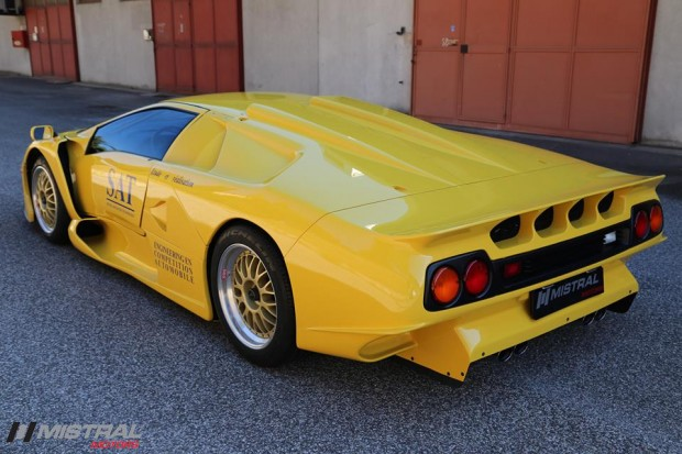 Lamborghini-Diablo-GT1-Stradale-5