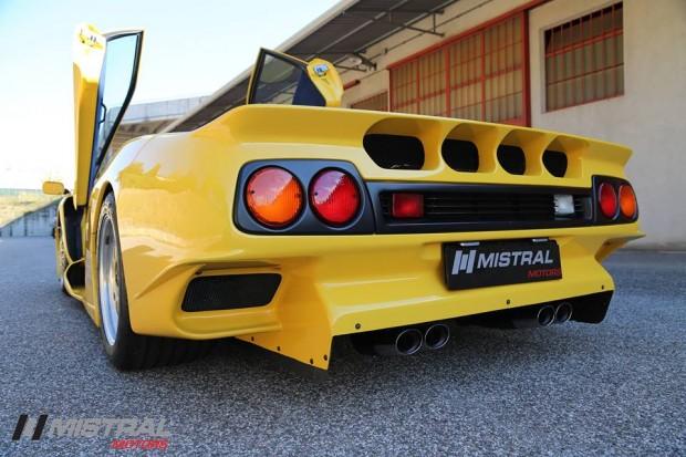 Lamborghini-Diablo-GT1-Stradale-9