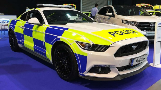 01_Ford_Mustang_Police_car