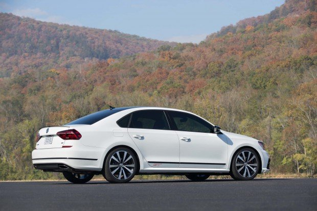161105-vw-passat-gt-628-copy-1