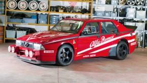 Este Alfa Romeo 75 Turbo Evoluzione IMSA Ufficiale é o <i>cuore sportivo</i> de corrida que você quer