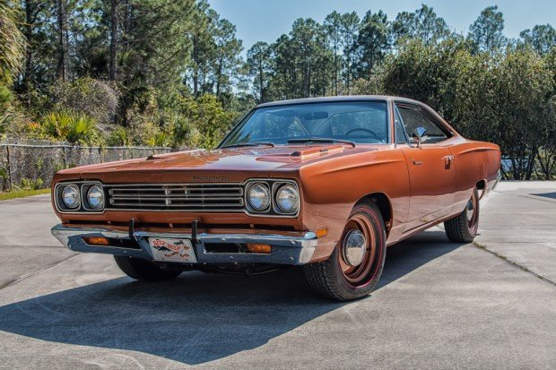 plymouth_road_runner_426_hemi_hardtop_coupe_6