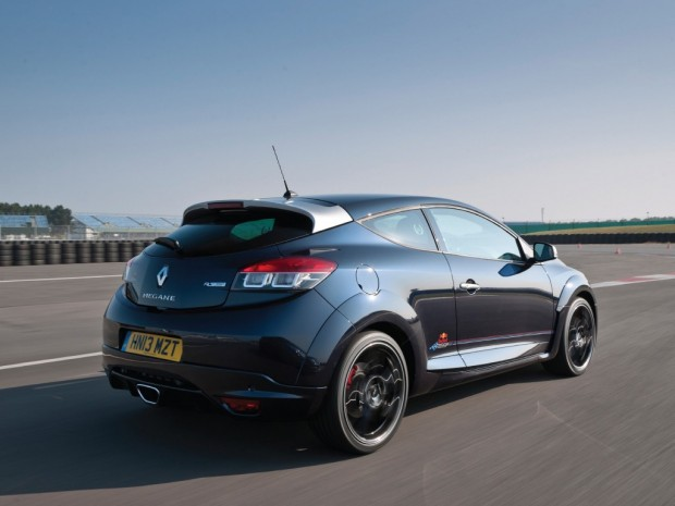 renault_megane_r.s._250_red_bull_racing_rb8_uk-spec_1