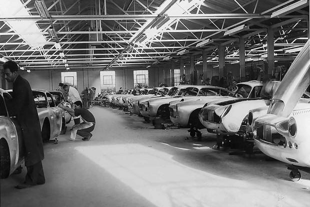 Aston-Martin-DB4-GT-Continuation-factory