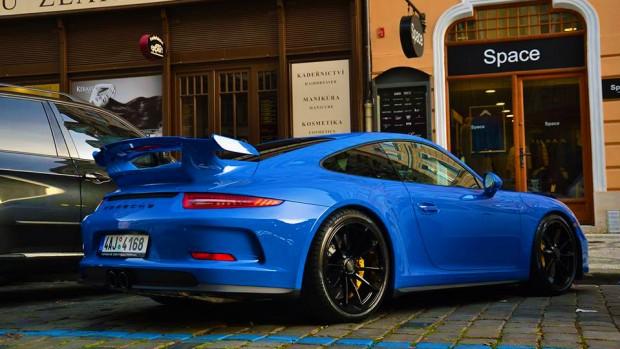 Blue-Porsche-991-GT3-2