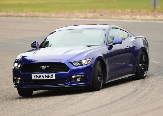 ford_mustang_ecoboost_fastback_26_1