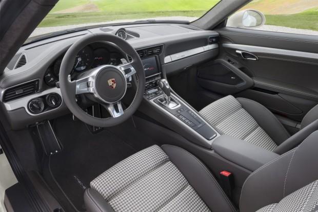 x991-Anniversary-interior.jpg.pagespeed.ic.itGPKj5Qpf