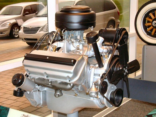 1951-Chrysler-FirePower-331-CID-Hemi-Engine-Right-svl-_WPC-Museum_-F