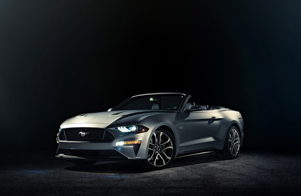 Ford-Mustang-GT-Convertible-001