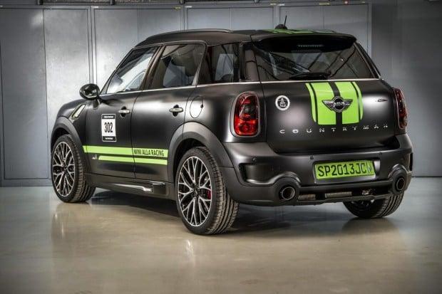 MINI-JCW-Countryman-ALL4-Dakar-rear-1280x852