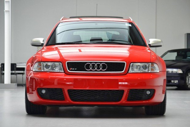 audi-rs4-avant-2001-for-sale-1