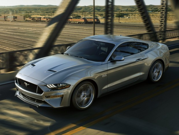 ford_mustang_gt_fastback_101
