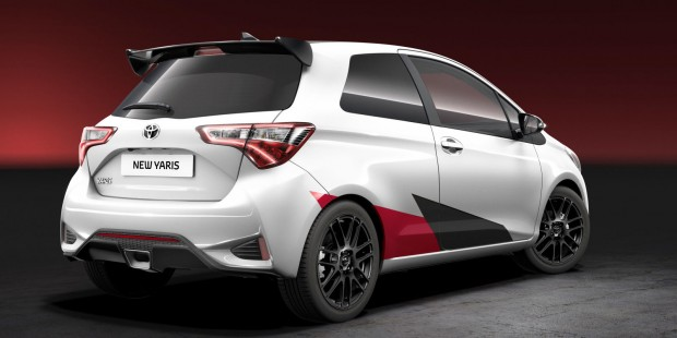 gallery-1484233383-new-yaris-rear-final