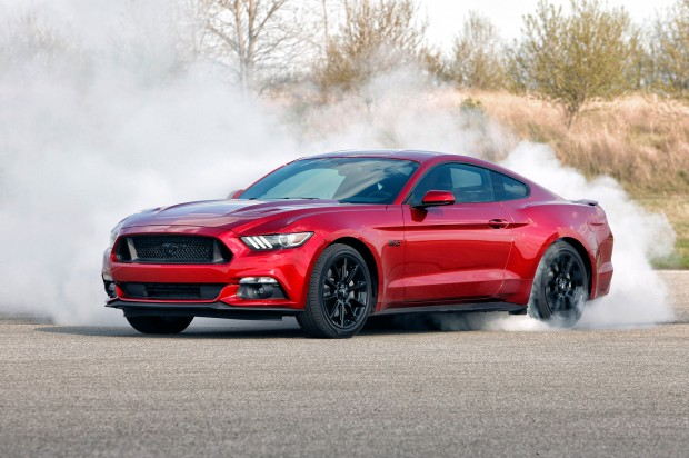 2017-Ford-Mustang-GT-Black-Package-burnout