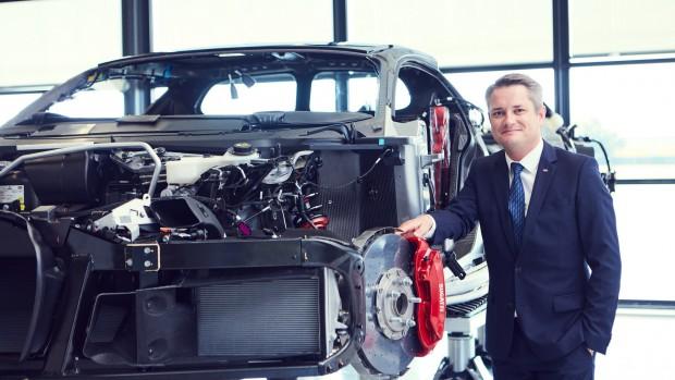 2017-bugatti-chiron-production-at-molsheim-factory (10)