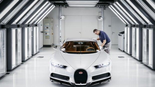 2017-bugatti-chiron-production-at-molsheim-factory (21)