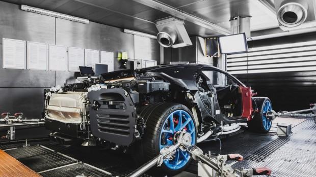 2017-bugatti-chiron-production-at-molsheim-factory (9)