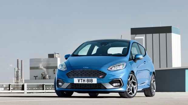 FORD_2017_Fiesta_ST_06-LOW
