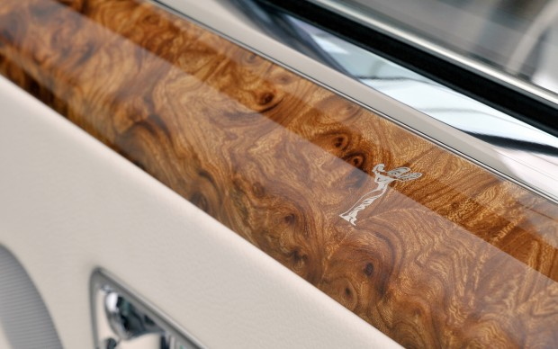 Rolls-Royce-Phantom-Coupe-wood-panel-2