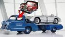 Blue Wonder: o caminhão com motor de esportivo que transportava os Mercedes-Benz de corrida