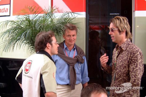 f1-spanish-gp-2002-jacques-villeneuve-with-per-gessle-of-swedish-pop-band-roxette