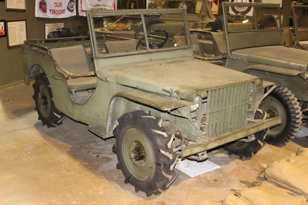 Ford_Pygmy_jeep_pilot_vehicle