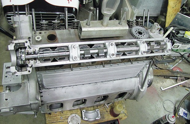 270ci-offenhauser-indycar-engine-cams-installed