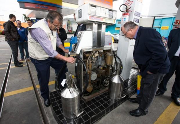 Operação de fiscalização aos postos de gasolina