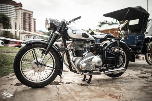 lindoia-antigos-flatout-gt40--85