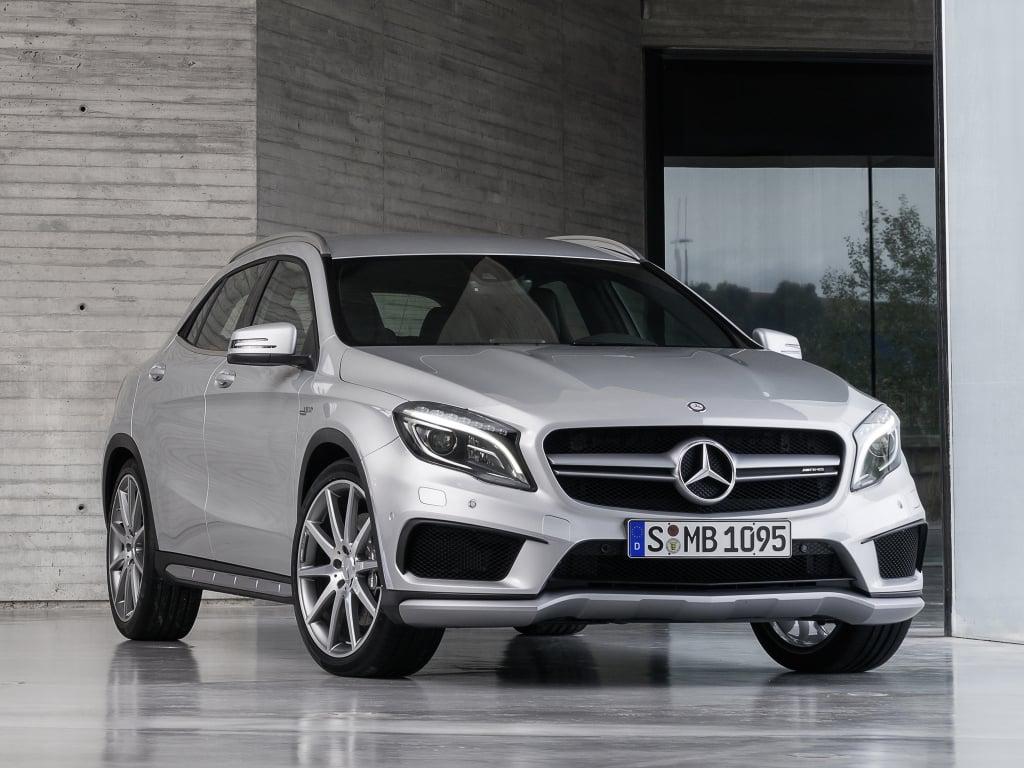Mercedes benz gla 45 amg 14 flatout for 2017 amg gla 45 mercedes benz