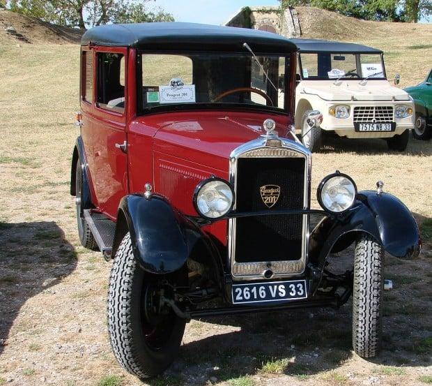 1024px-Peugeot_201_1930_04